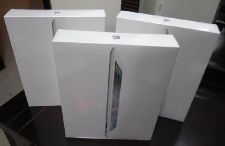 ipad2-32gb-white-brand-new-in-sealed-box_623192